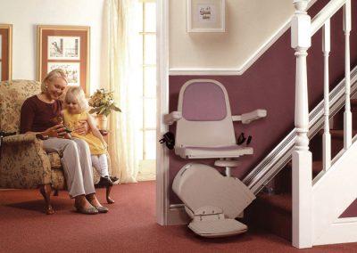 Acorn-Stairlift-120-Superglide-Straight-Stairlift