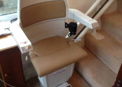 Halton Curved Reconditioned Stairlifts For Curved Stairs