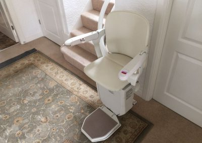 Halton-Signature--Curved-Stairlift-Chairlift