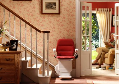 Stannah-Saxon-Straight-Stairlift-Halton-Stairlifts