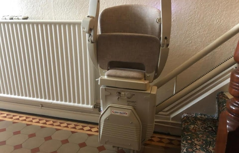 CAN OTHER PEOPLE USE THE STAIRS ONCE A STAIRLIFT IS FITTED?