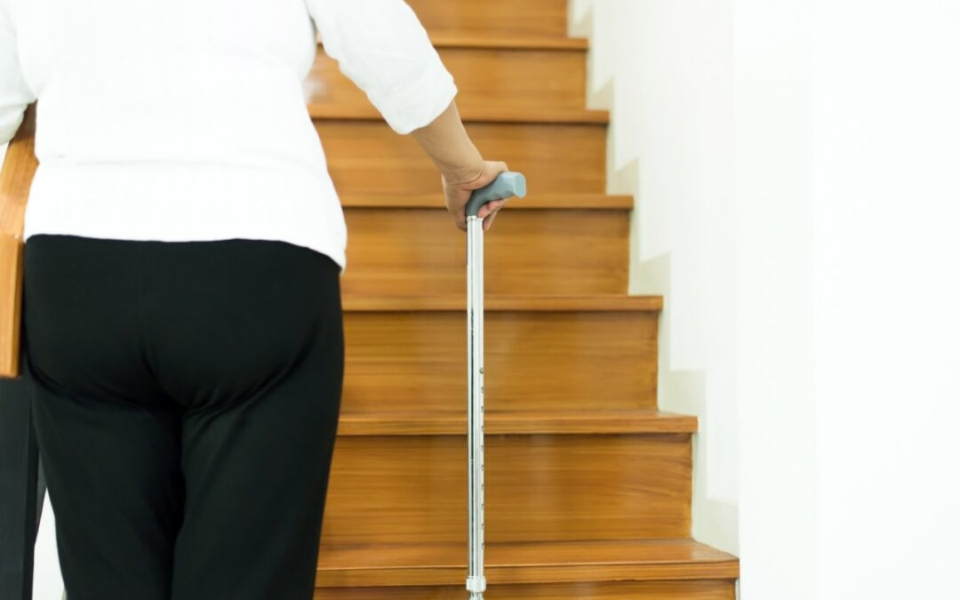 DIFFICULTY-CLIMBING-THE-STAIRS-HALTON-STAIRLIFT